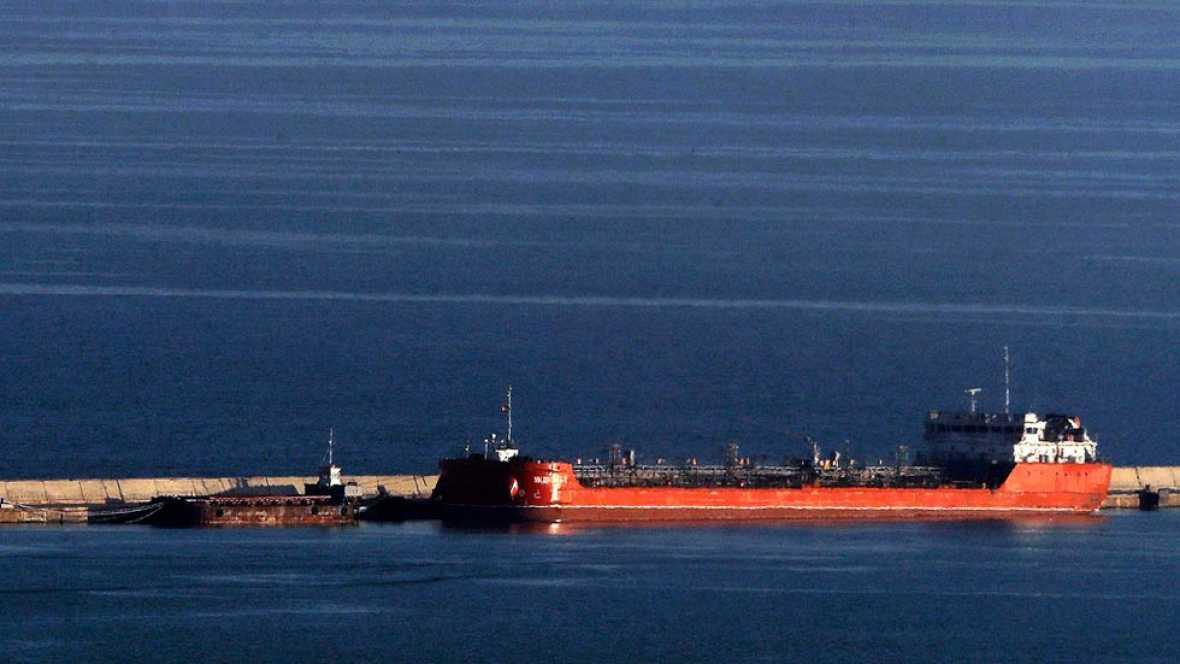 Dos marineros desaparecidos tras chocar con un mercante ruso el pesquero en el que viajaban