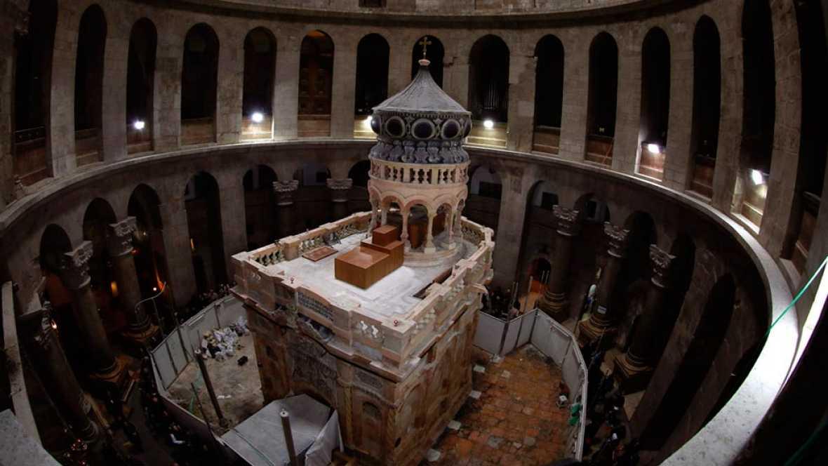Finalizan las obras de restauración de la tumba de Jesucristo en la iglesia del Santo Sepulcro en Jerusalén