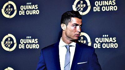 El delantero del Real Madrid Cristiano Ronaldo se hizo hoy con el premio Quina de Oro al mejor jugador portugués del año que concede la Federación Portuguesa de Fútbol (FPF).