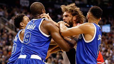 Ibaka protagoniza una pelea con López en la NBA