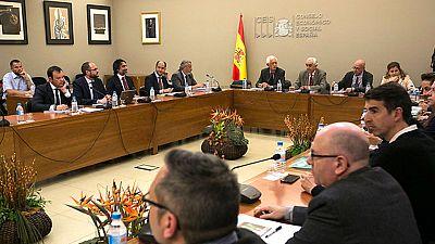 La propuesta de bajada de sueldos y cambios en el convenio colectivo de la patronal estanca la negociación sobre la estiba
