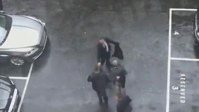 Un vídeo muestra el desalojo de Theresa May del Parlamento en pleno tiroteo con el asaltante