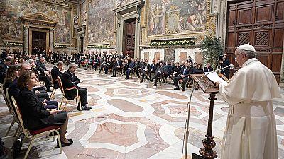 """Discurso del papa a los líderes de la UE: Francisco pide solidaridad para hacer frente a """"fuerzas centrífugas"""""""