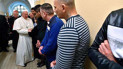Visita multitudinaria del Papa a Milán