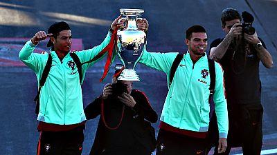 """Hoy en día la imagen de Madeira está """"claramente asociada"""" al delantero del Real Madrid Cristiano Ronaldo, el isleño que a partir del miércoles dará nombre al aeropuerto internacional de Funchal y que supone """"una inspiración"""" para que los jóvenes mad"""
