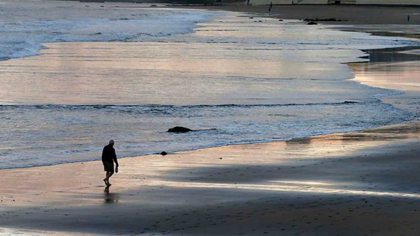 Fuerte oleaje en Galicia, Cádiz y Canarias con tiempo  estable en casi toda España