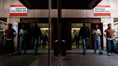 El paro bajó en más de 48.500 personas en marzo, hasta los 3.700.000 desempleados
