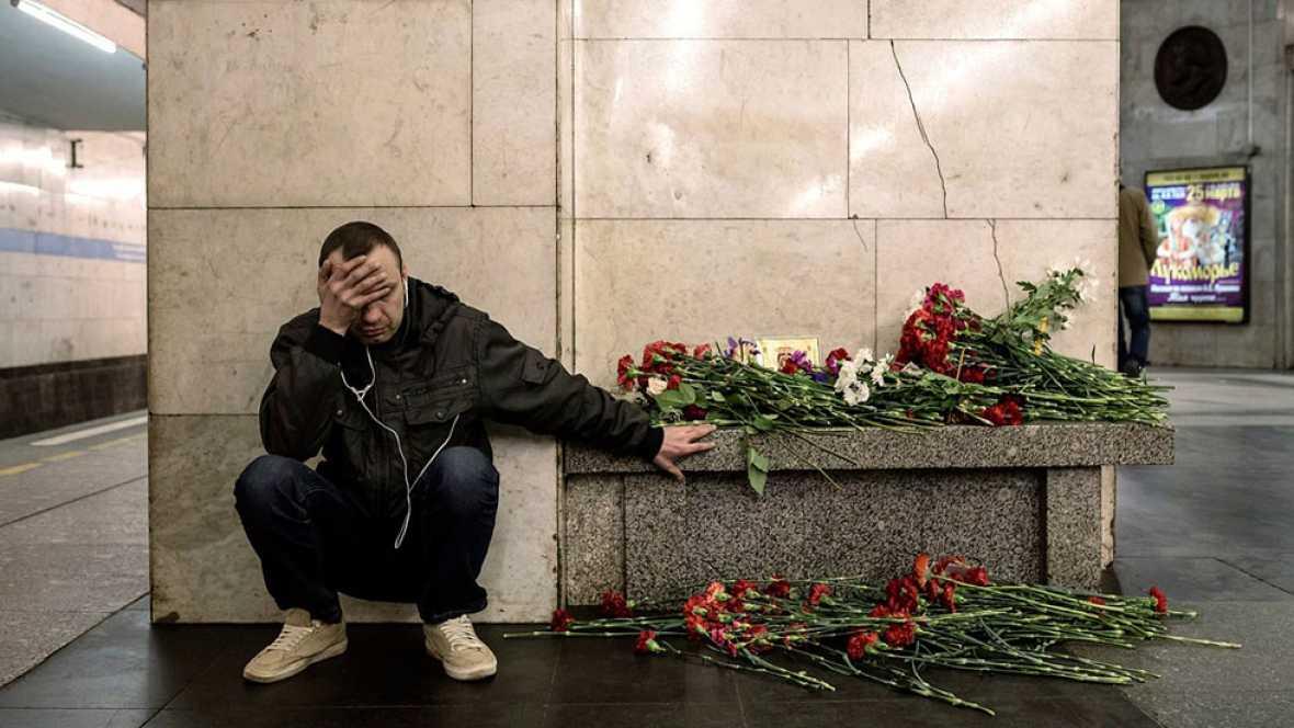 Solidaridad con las víctimas en San Petersburgo después de la explosión en el metro