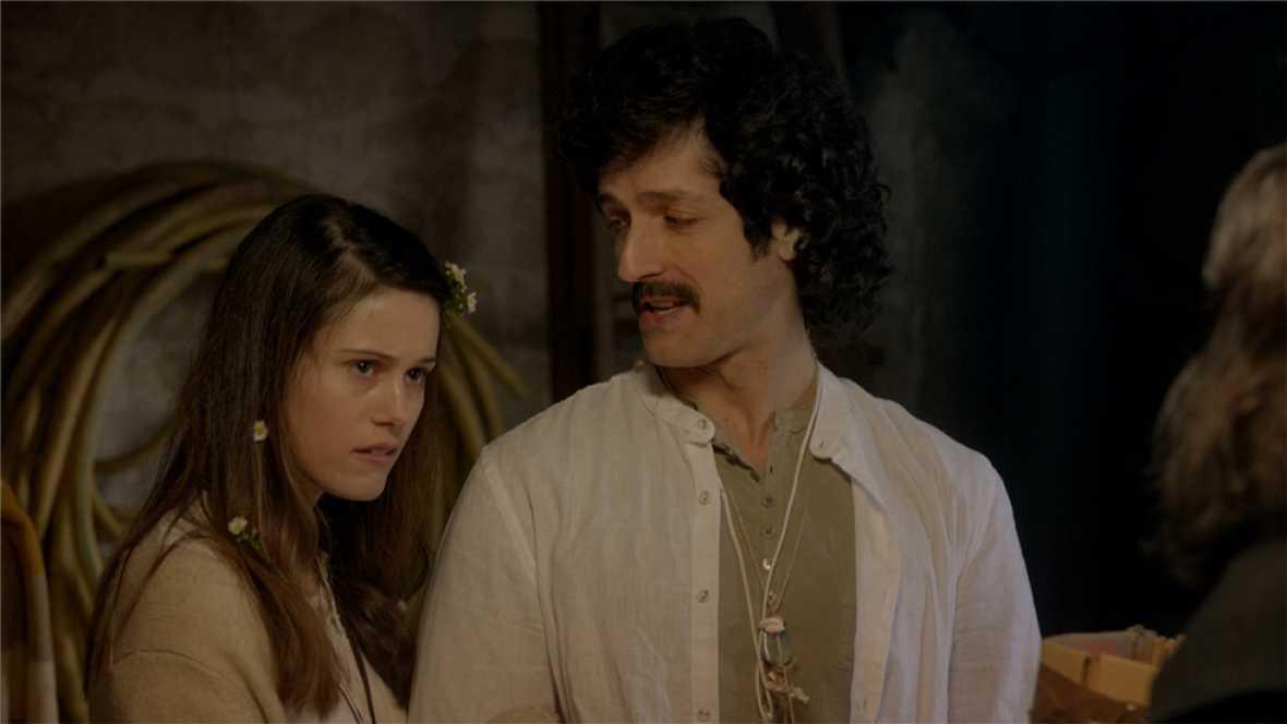Cuéntame cómo pasó - Inés y Marcos descubren la secta de Luchi