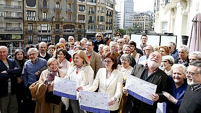 """Víctimas, políticos e intelectuales vascos reclaman en un manifiesto un fin de ETA """"sin impunidad"""""""