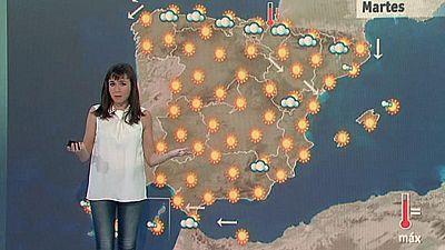 El sol lucirá en prácticamente toda España, salvo algunos intervalos nubosos que irán disminuyendo progresivamente en el Estrecho, Melilla, norte de Galicia, Cantábrico y norte de Cataluña, donde hay la posibilidad de algún chubasco o tormenta aislad