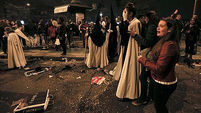 Al menos ocho personas han sido detenidas en Sevilla por provocar desórdenes públicos al paso de las procesiones en la Madrugá, su noche más importante de la Semana Santa, informa RNE. Tres de ellos son delincuentes comunes y uno acumula 36 detencion