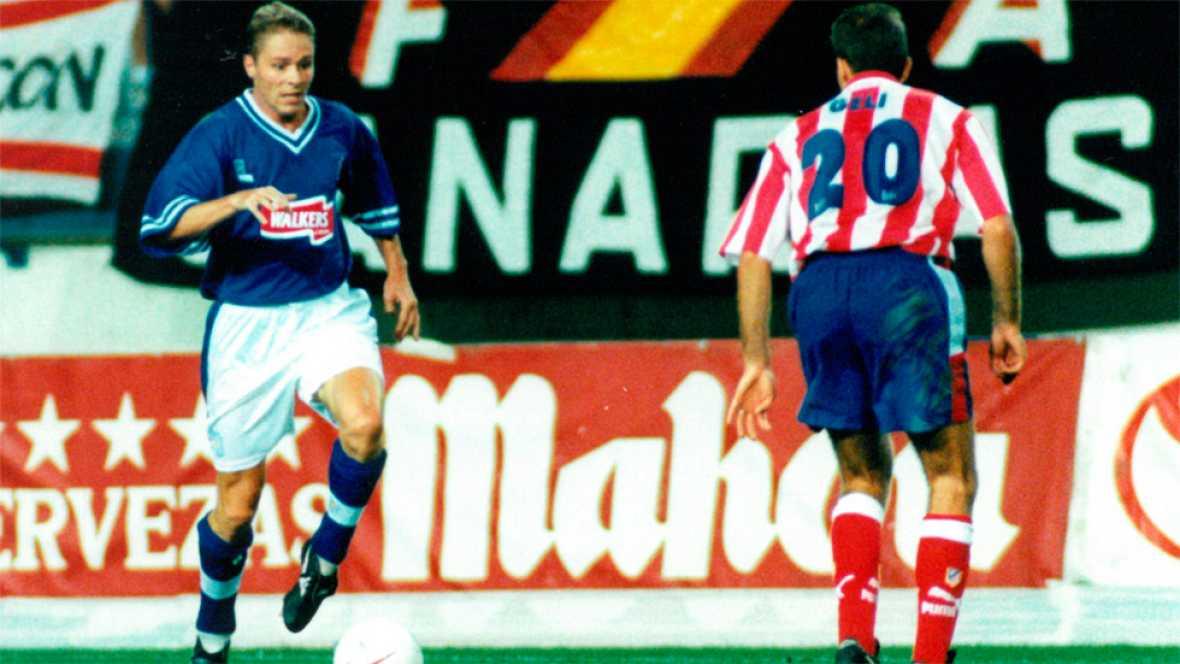 El Atlético ya sabe lo que es eliminar al Leicester en competición europea. Sucedió en 1997, cuando los rojiblancos se cruzaron con el equipo inglés en la copa de la UEFA. Lo recuerdan sus protagonistas en TVE.