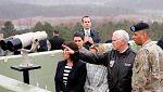 El vicepresidente de EE.UU. visita la zona desmilitarizada entre las dos Coreas en plena tensión