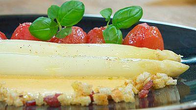 Torres en la cocina - Espárragos blancos con tomate