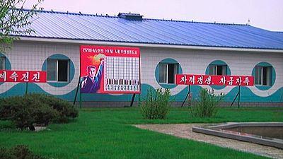 Corea del Norte exhibe ante la prensa extranjera una piscifactoría
