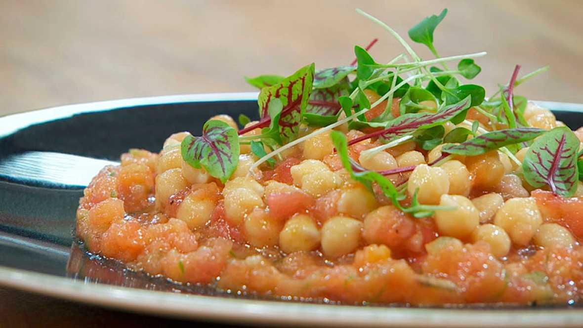 Torres en la cocina - Tartar de tomates con garbanzos