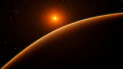 Un equipo internacional de astrónomos ha descubierto una ¿supertierra¿, un planeta rocoso y templado que orbita a una estrella enana roja y que, por sus características iniciales, podría contener agua, lo que le convierte en un muy buen candidato par