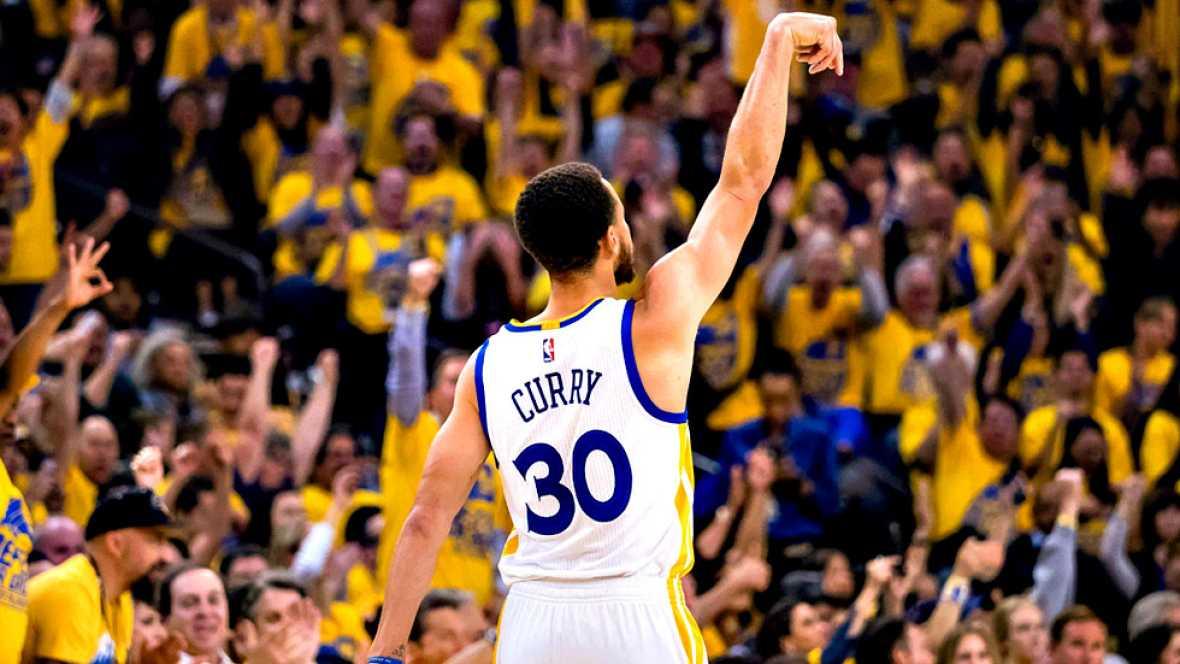 El base Stephen Curry logró 19 puntos para los Warriors de Golden State, que vencieron por 110-81 a los Trail Blazers de Portland en el segundo partido de la serie final de la Conferencia Oeste.