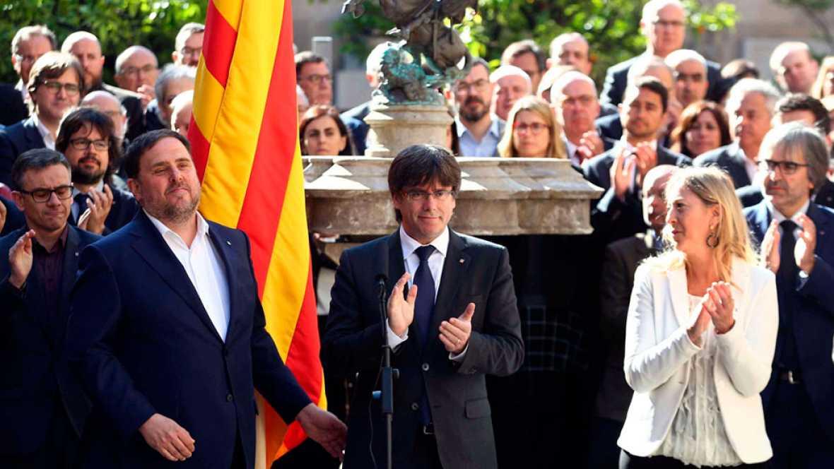 El Govern de Cataluña escenifica su compromiso con el referéndum