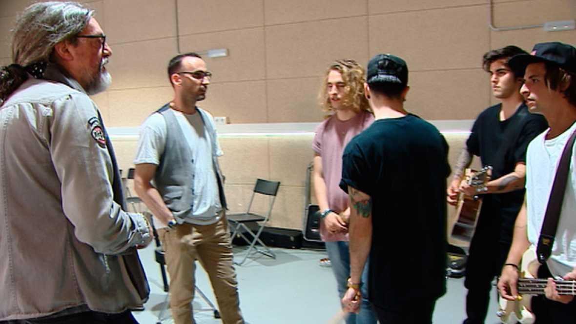 Manel Navarro ultima los detalles con su director artístico para su puesta en escena en Eurovisión