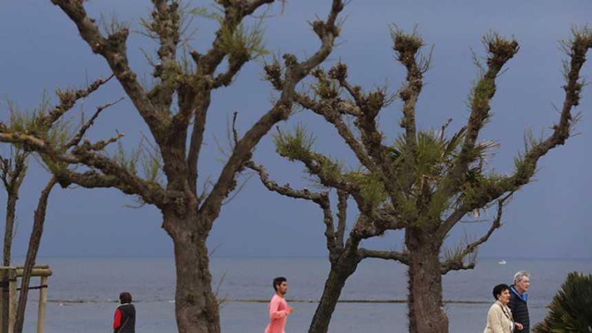 Bajan las temperaturas en la Península y en Cataluña lluvias fuertes