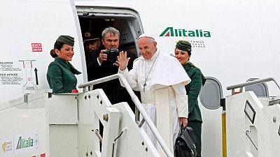 El papa llega a Egipto para apoyar a los coptos y reunirse con la principal autoridad de islam suní