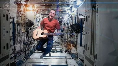 Primer videoclip hecho en el espacio