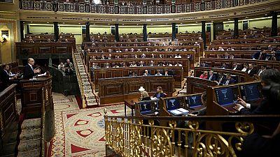 La mayoría de la oposición carga contra Montoro por los presupuestos para 2017