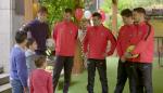 Los jugadores del Sporting de Gijón sorprenden a los hermanos de Juan