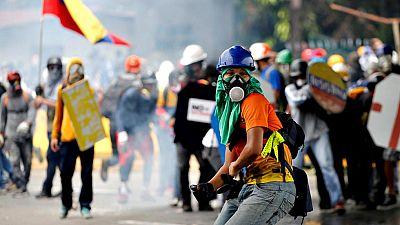 Las protestas vuelven a Venezuela, mientras Maduro presenta su proyecto de Asamblea Constituyente