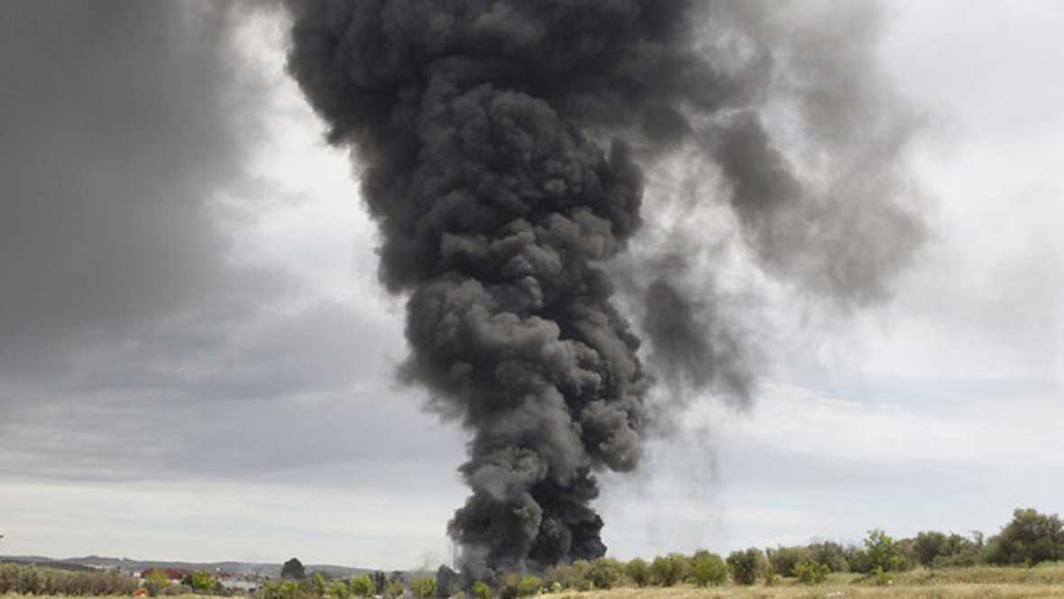 Al menos 30 heridos en las explosiones y posterior incendio de una planta de reciclaje de Arganda del Rey