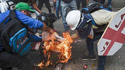 Estudiantes venezolanos se echan a la calle contra el gobierno de Nicolás Maduro