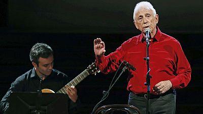Raimon lanza en el Palau de la Música su grito de despedida en un emotivo recital