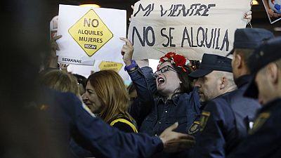 Una feria de gestación subrogada en Madrid levanta las críticas entre distintas organizaciones feministas