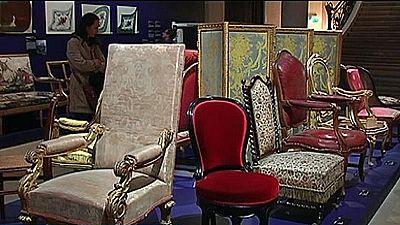 El mobiliario del poder se instala en París