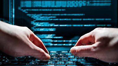 Dicen los expertos que la Tercera Guerra Mundial podría ser cibernética... Trend Micro, una de las empresas especializadas en estrategia informática habla de que, hace dos años, los hackeos masivos empezaron a combinarse con objetivos ideológicos par