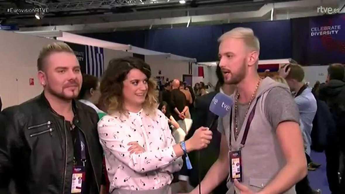 Los representantes de Moldavia hablan de su canción, una de las más positivas del festival, y piden a los españoles que no se olviden de votarles.