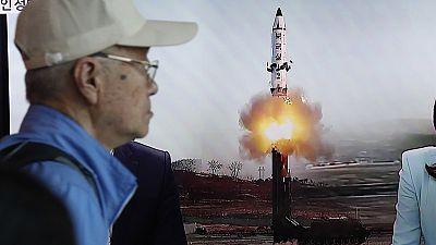 Corea del Norte prueba con exito un nuevo misil balístico