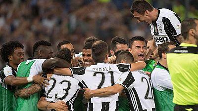 El Juventus de Turín ganó este miércoles la final de la Copa Italia al imponerse por 2-0 en el estadio Olímpico romano ante el Lazio, lo que supuso la conquista del primer trofeo de una temporada en la que sueña con sellar un histórico triplete. El b