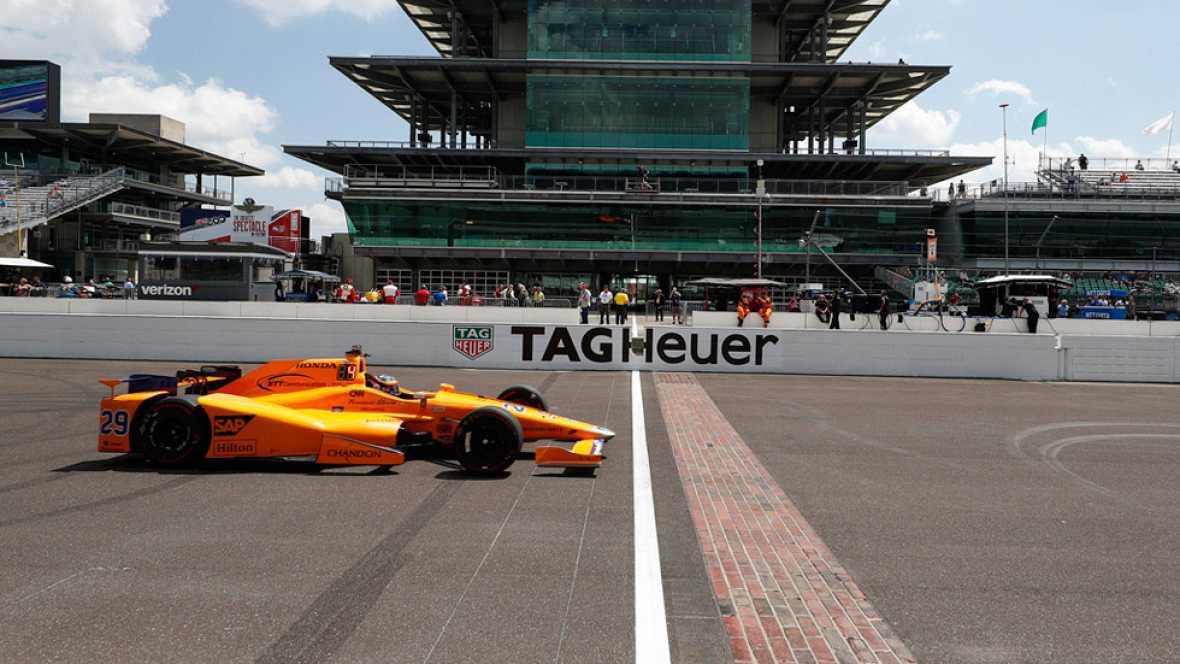 Fernando Alonso prosigue su adaptación al coche con el que disputará las 500 millas de Indianápolis y firmó el cuarto mejor tiempo de un nuevo entrenamiento para la carrera.