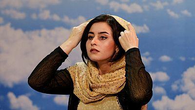 Comienza a emitir Zan Televisión, presentada y producida sólo por mujeres en Afganistán