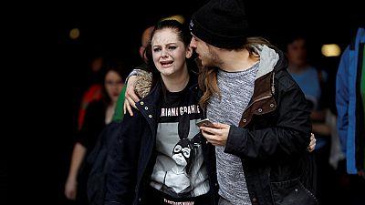 """Asistentes al concierto y testigos del atentado en Manchester relatan escenas de """"pánico"""", angustia y gran confusión"""