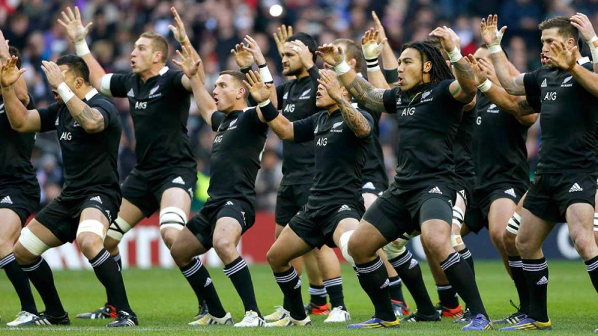 El jurado de los Premios Princesa de Asturias concede a la selección masculina de rugby de Nueva Zelanda el premio en la categoría de Deportes, al destacar sus triunfos y su deportividad.
