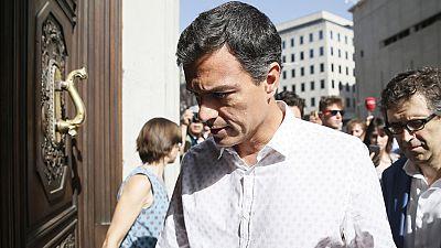 Sánchez regresa al Congreso para reunirse con el grupo parlamentario socialista