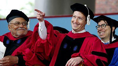 Mark Zuckerberg vuelve a la Universidad de Harvard para graduarse en Ciencias de la Computación