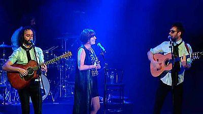 El dúo Antílopez llena La Riviera en concierto cargado de sorpresas
