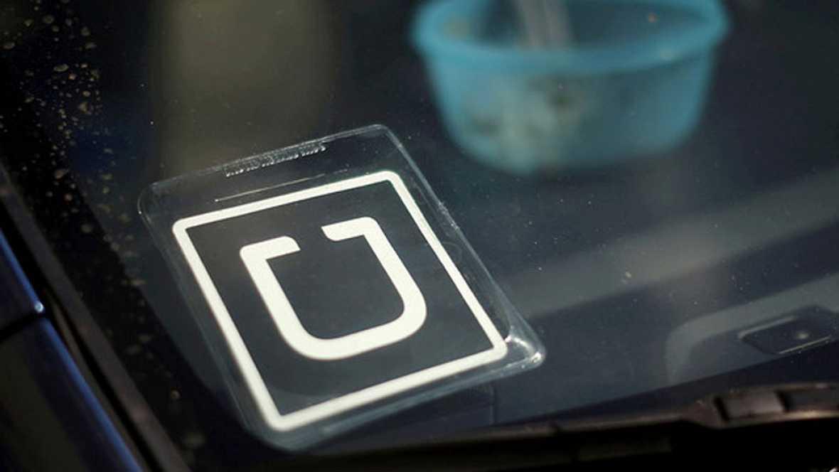Algunos conductores de empresas como Cabify o Uber dicen sentirse hostigados por los taxistas