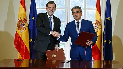 Rajoy y Nueva Canarias firman el acuerdo que permite al Gobierno aprobar los Presupuestos de 2017