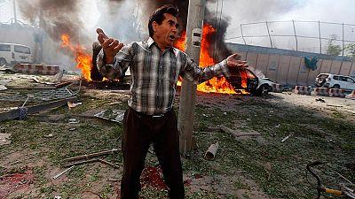 Afganistán - Mueren al menos 80 personas en un atentado en el distrito diplomático de Kabul